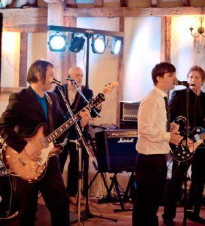 Wedding band at Clock Barn © Emma Trinder Photography